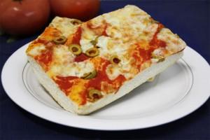 PIZZA al TRANCIO con olive verdi